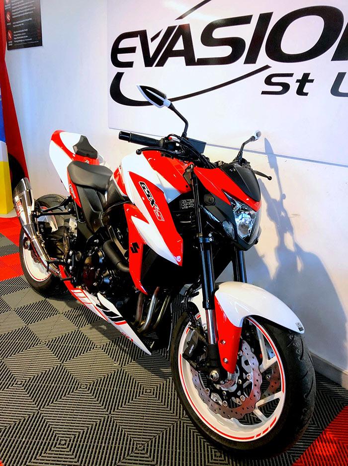 GSXS-LS-race-rouge